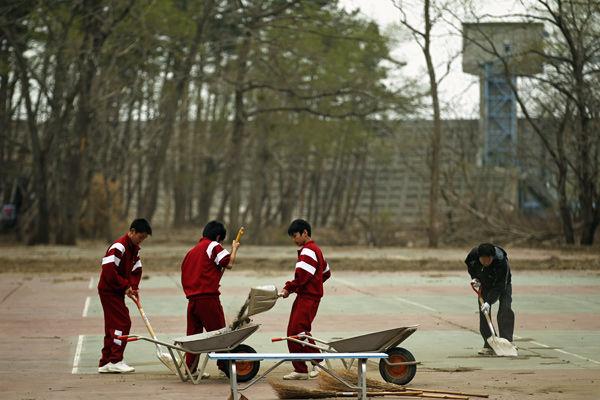 Floodgate saves Japanese village