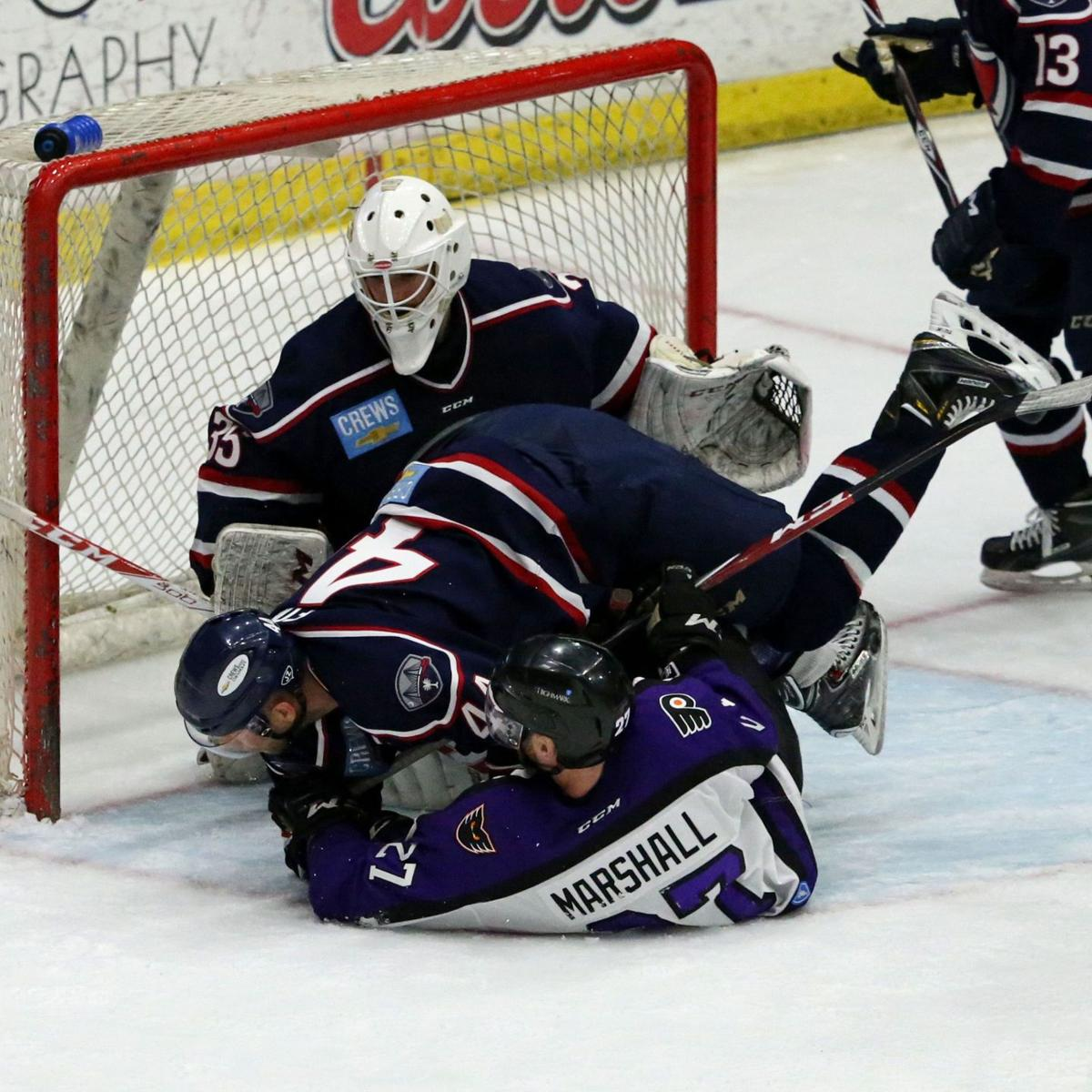 Stingrays look to end series Tuesday night against Reading