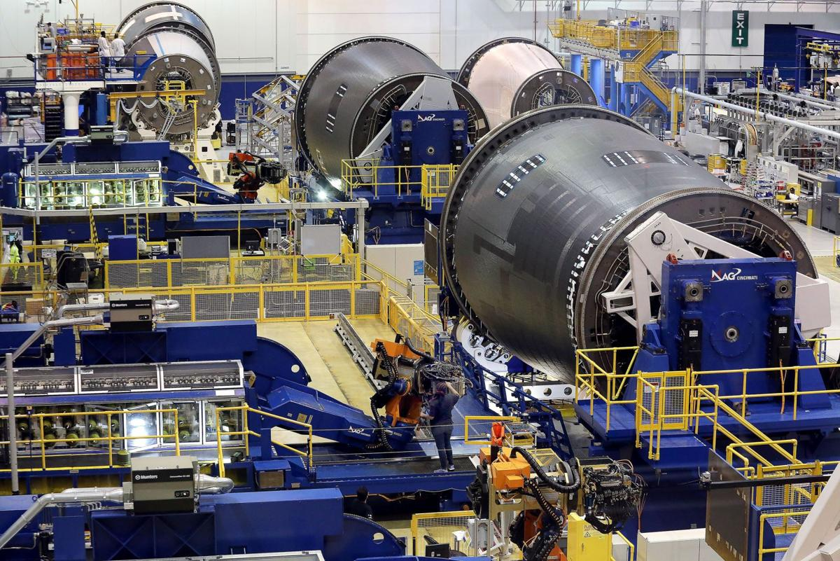 Suppliers feeling Boeing's pay lag Aviation giant's new practice affecting cashflow, 2 firms say
