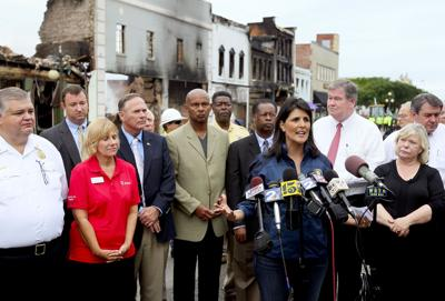 Gov. Haley visits Georgetown after massive fire hits tourism district