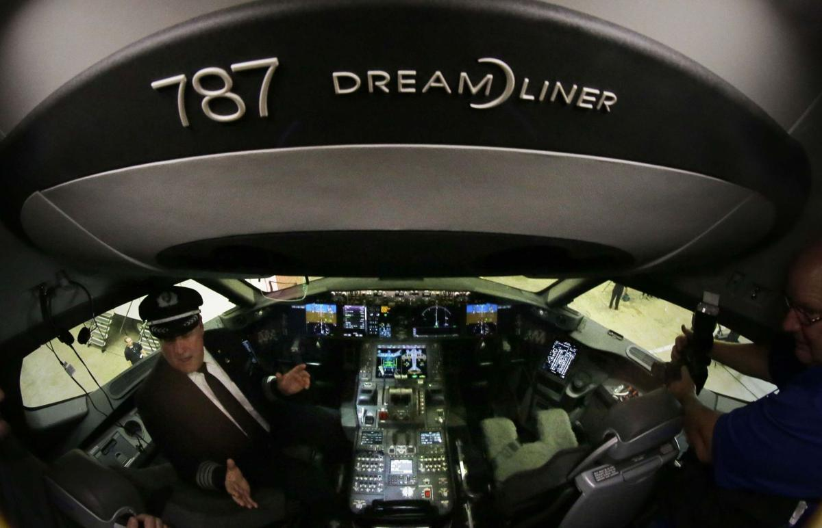 American Airlines shows off first Boeing 787 Dreamliner