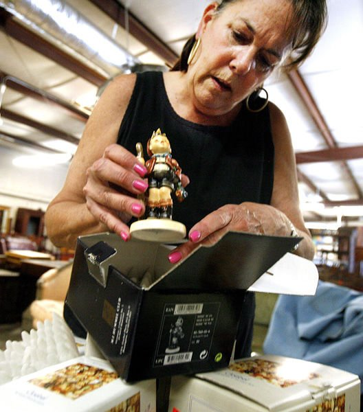 Tough times are forcing people to sell family heirlooms, other sentimental items, but they aren't getting much for them