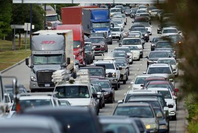 17S compact bridge traffic.jpg