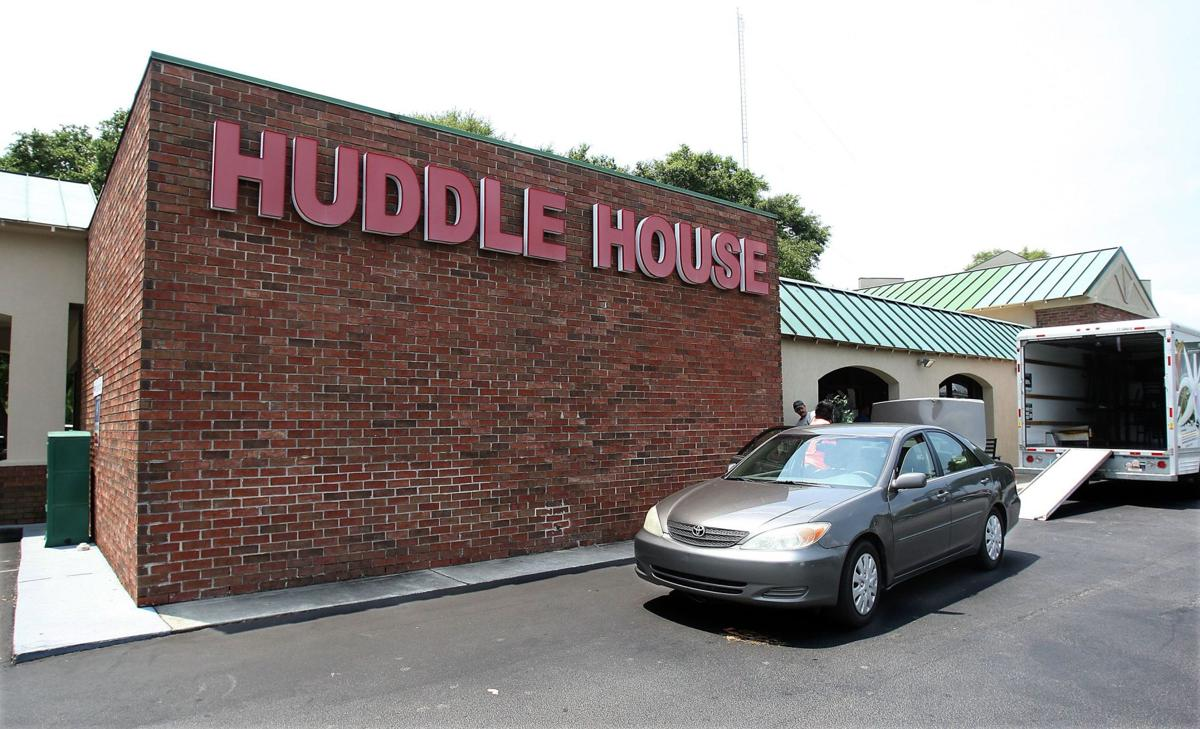 Huddle House closes; Kickin' Chicken plans move