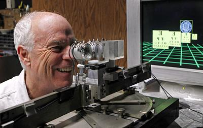 Despite headaches, industry pushes 3-D