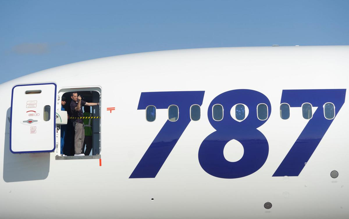 Boeing resumes deliveries of 787s