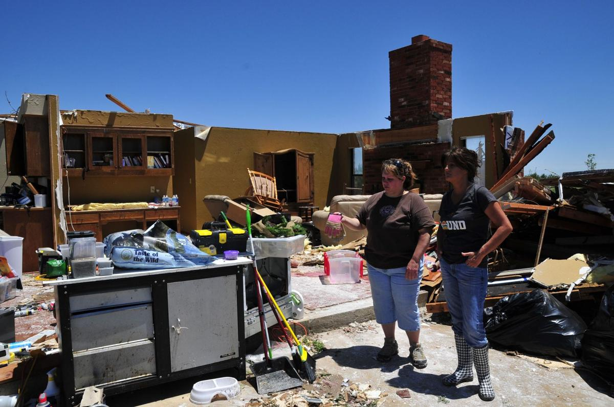 Okla. residents opt to flee tornadoes