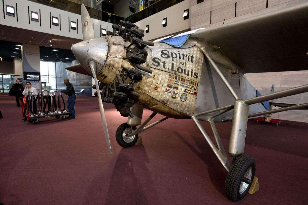 Smithsonian offers up close, personal look at Lindbergh's Spirit of St. Louis