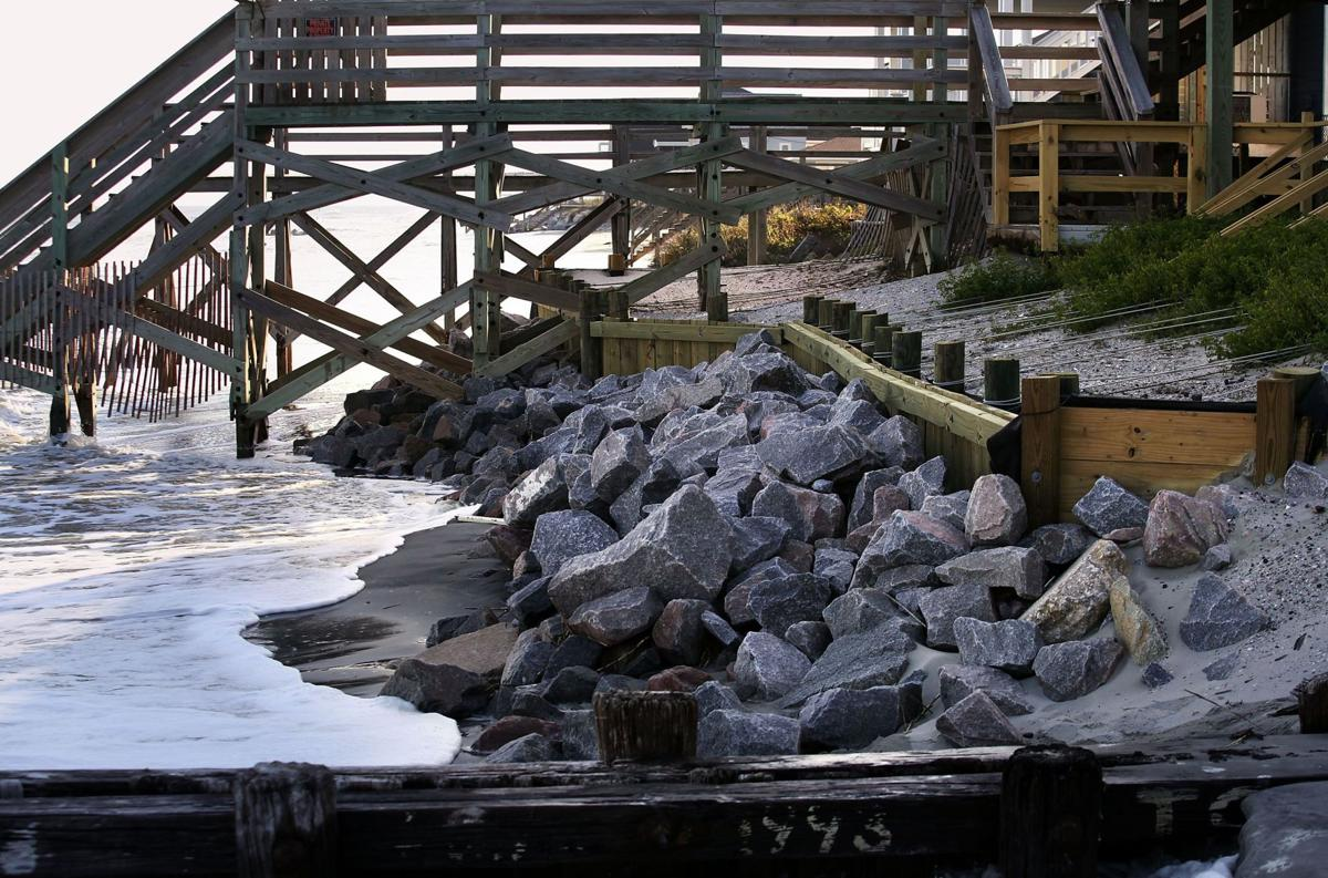 Folly Beach wall that led to state bill must come down, state rules (copy)
