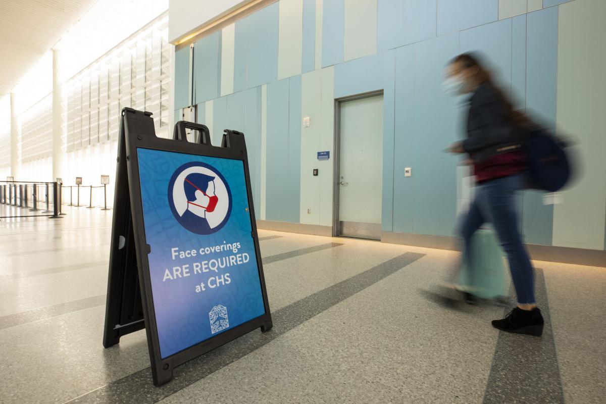 Charleston airport face mask sign