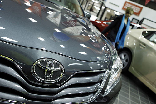 Toyota to extend sales incentives