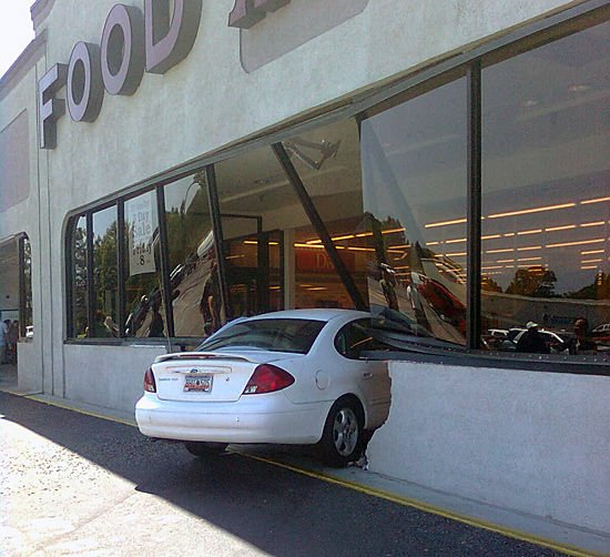 Car crashes into grocery store