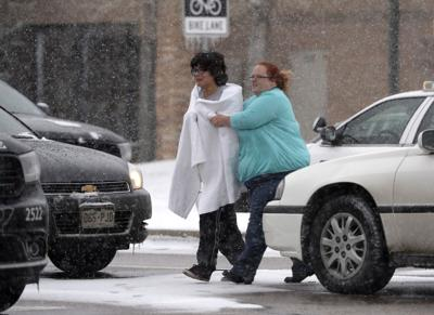 Police: 3 killed, 9 wounded in attack at Planned Parenthood