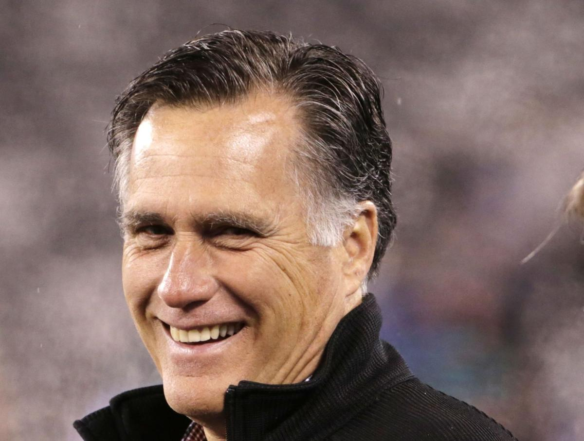 Conservatives cheer on Romney as establishment field grows