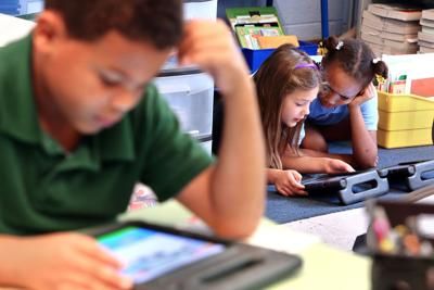 Are iPads in school good for kids? Charleston Teacher Alliance expresses concern as grant increases use of tablets