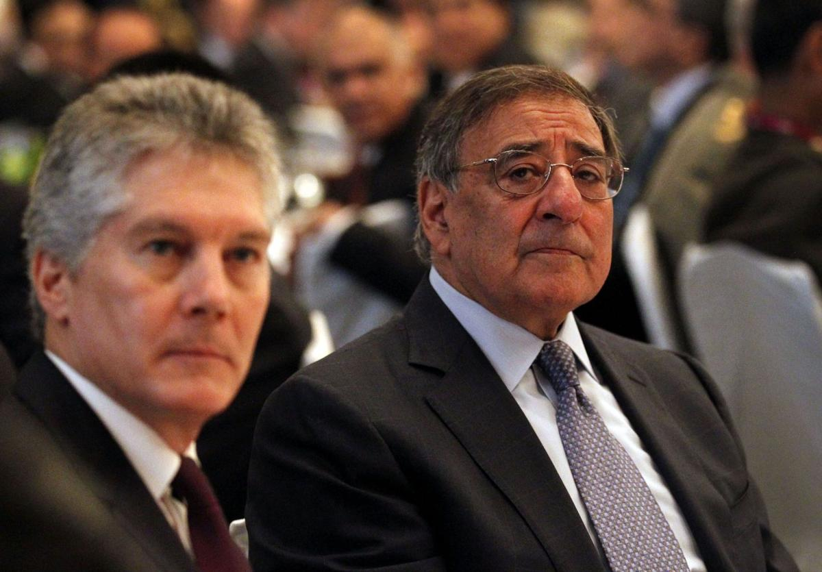 Panetta: Pentagon to shift warships to Pacific