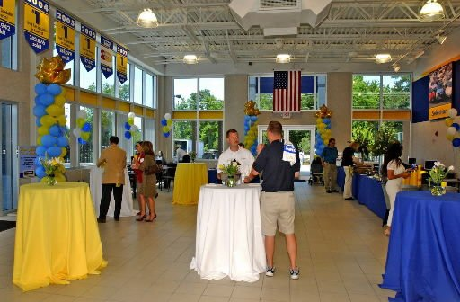 CarMax opens in Charleston
