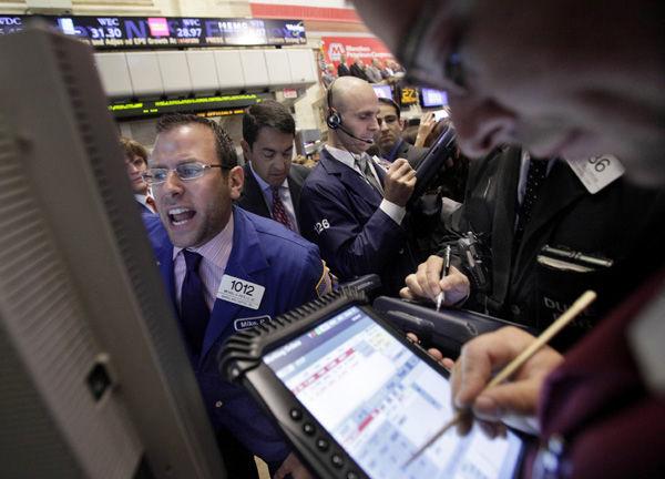 Stocks take big tumble: Lack of deal on debt has markets in major slump