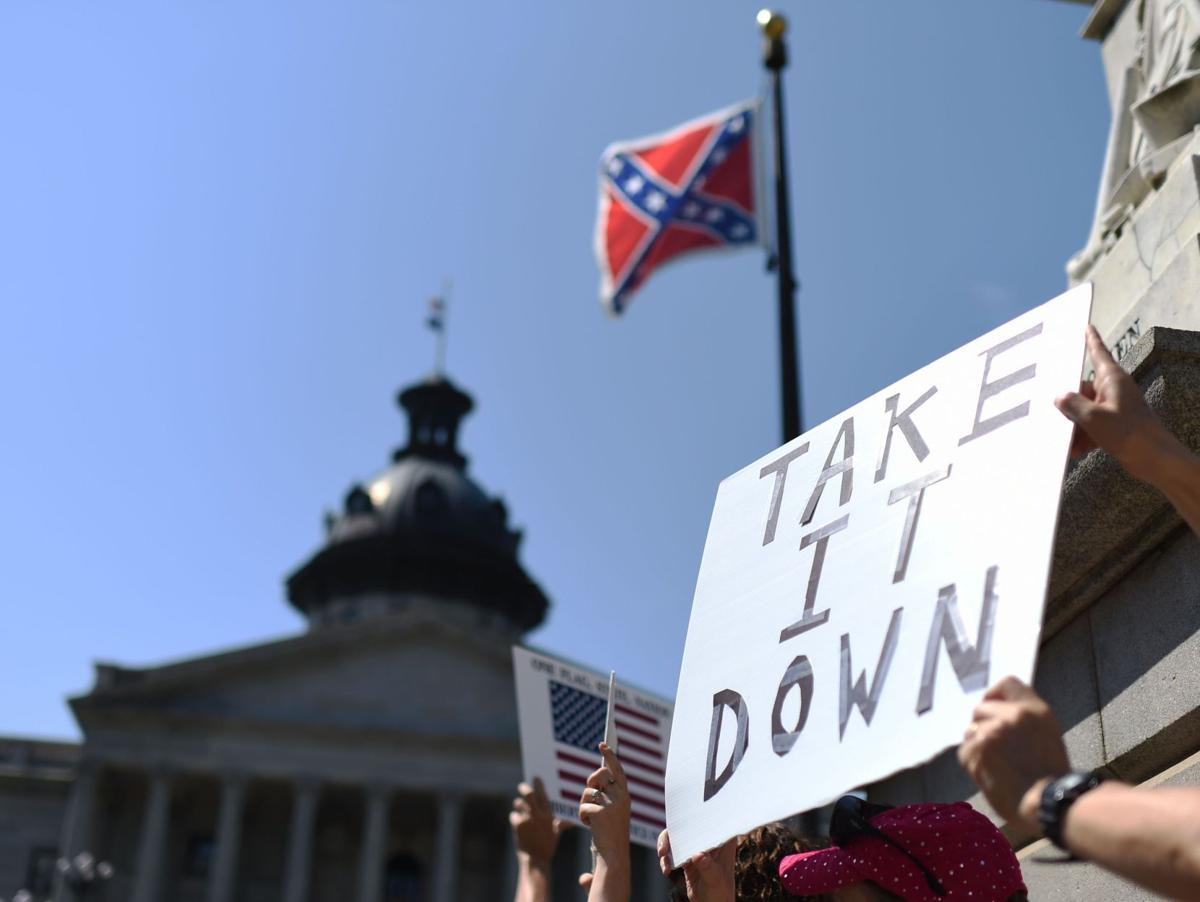 Myrtle Beach officials call on SC to lower Confederate flag