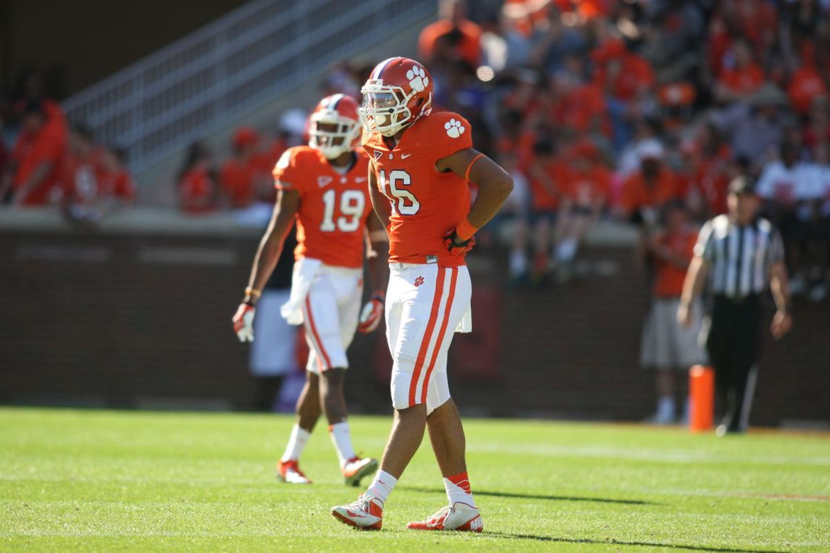 Clemson's Leggett second-guessing his role