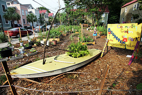 Formerly vacant lot transformed into Bogarden by downtown neighborhood