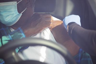 vaccine through car.jpg (copy) (copy)