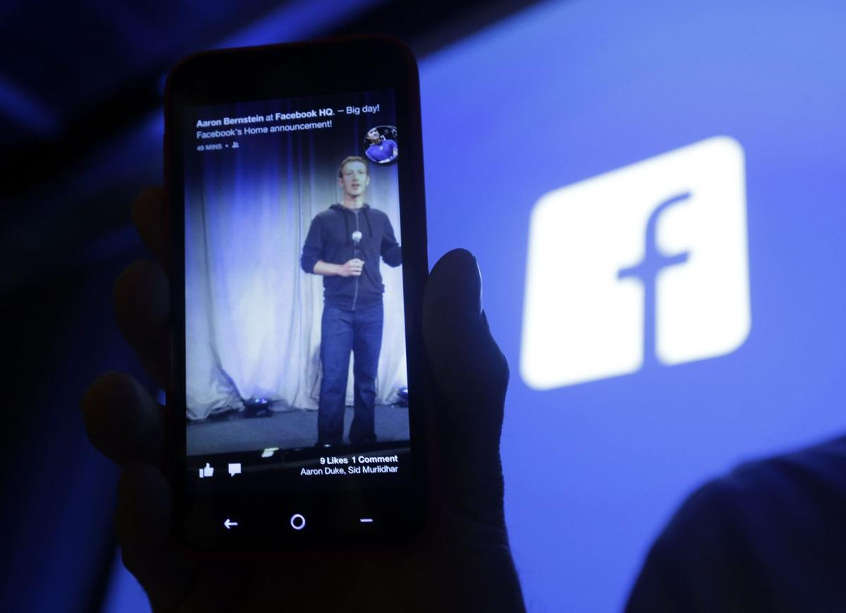 Feds looking into proposed Facebook changes