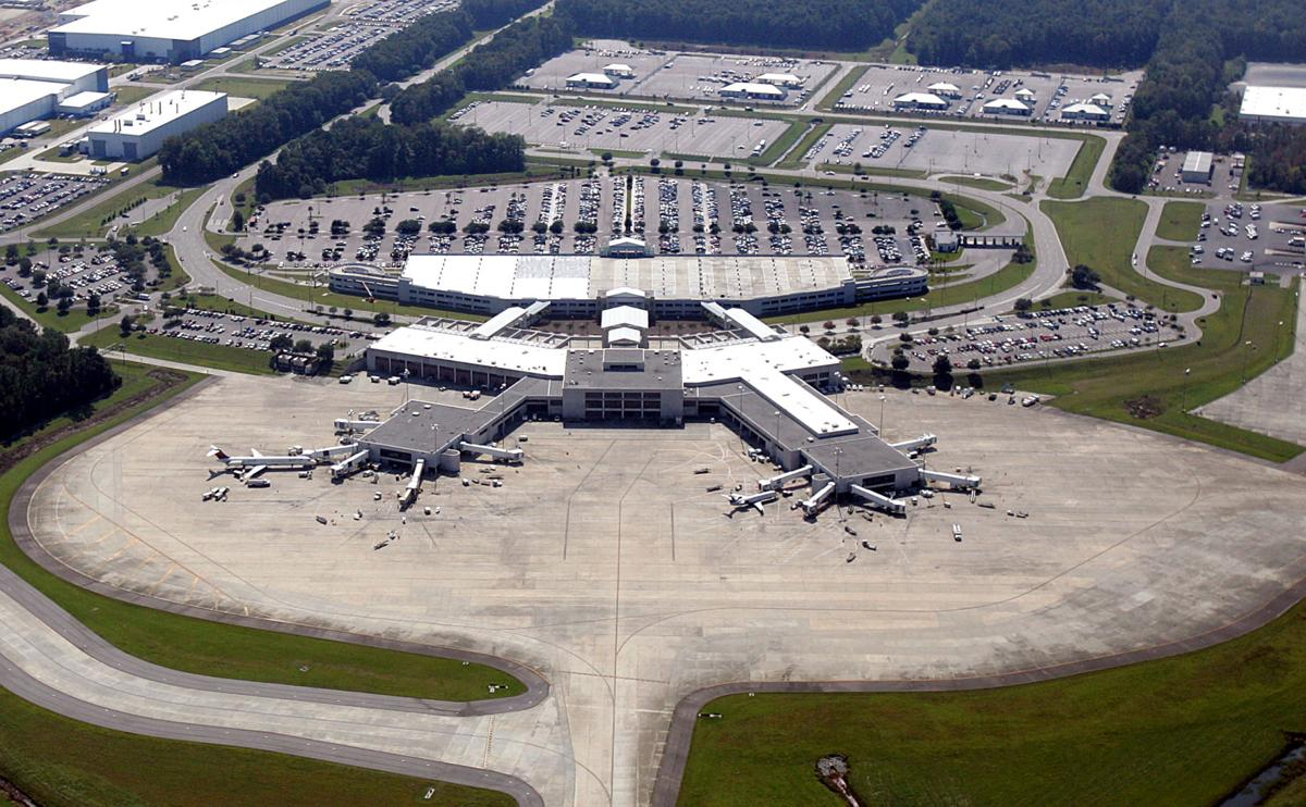 Charleston airport sets record for passengers