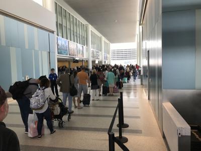Charleston Airport passengers wait to go through TSA (copy)