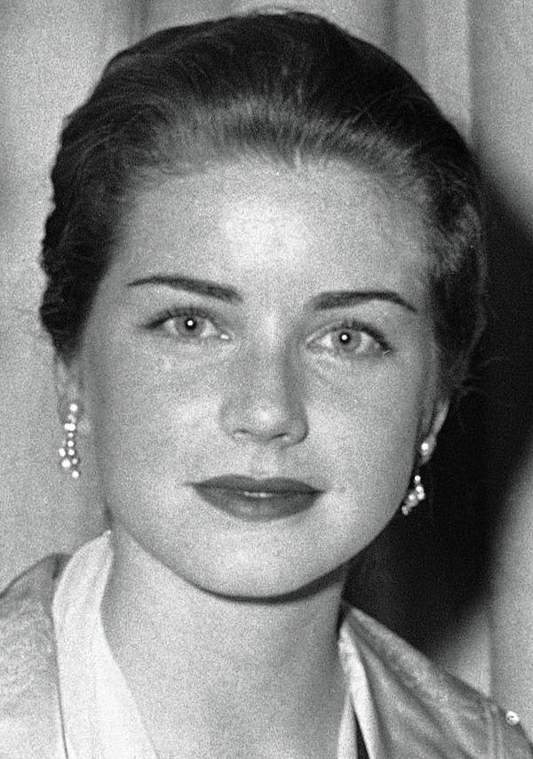 Former starlet Dolores Hart now needs miracle