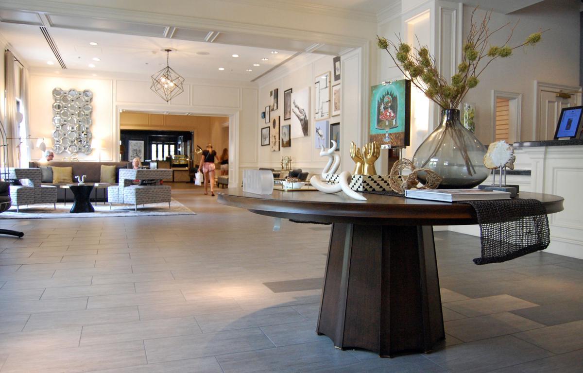 Renaissance Charleston lobby