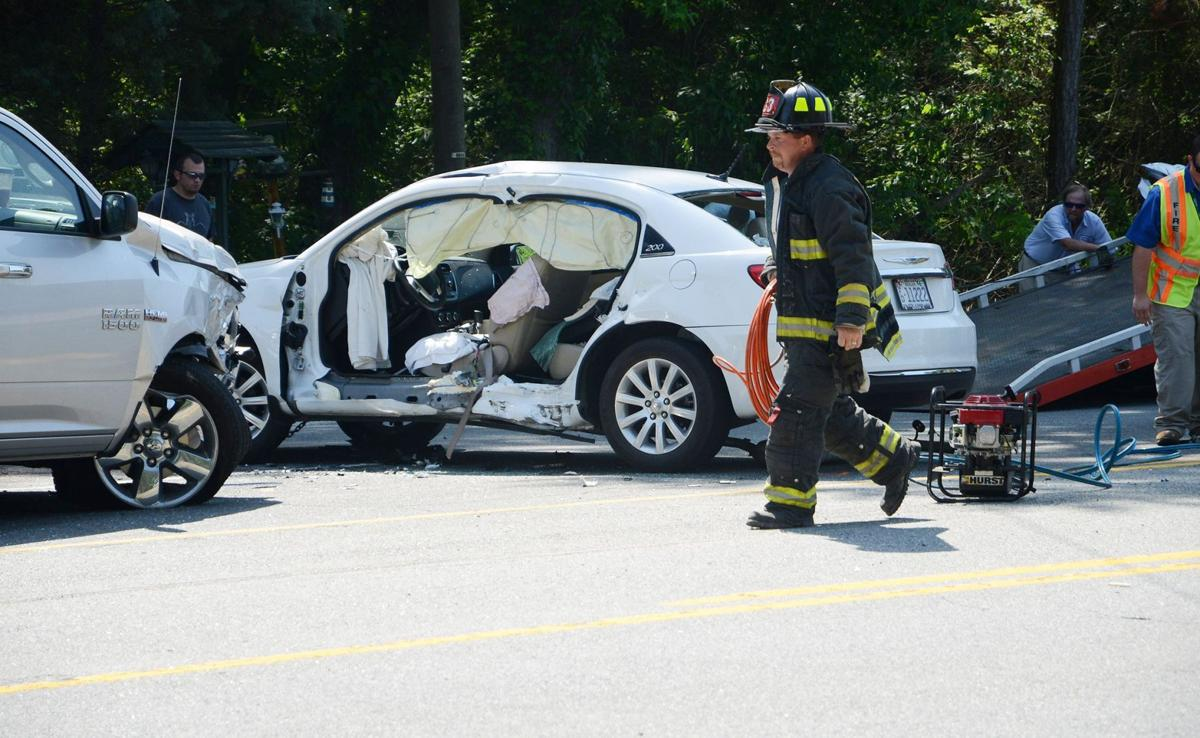 Costly crashes: Car, truck wrecks cost whopping $871B