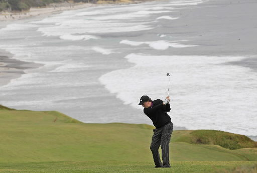 Mickelson charges into second