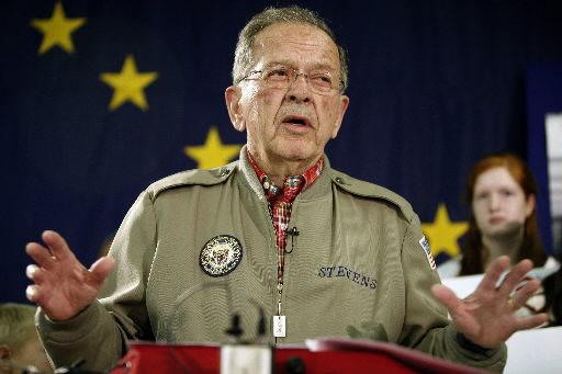 Former Alaska Sen. Stevens dies at 86