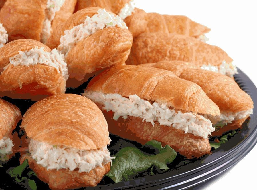Chicken Salad Chick changes course; selects Summerville roost