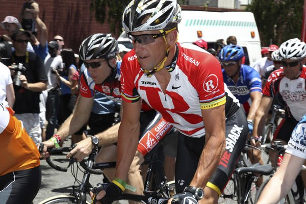Ex-teammate says Lance Armstrong injected EPO