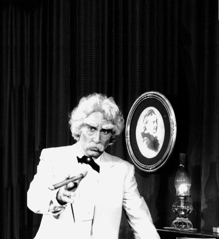 Stan Gill embodies Twain on 'final tour'