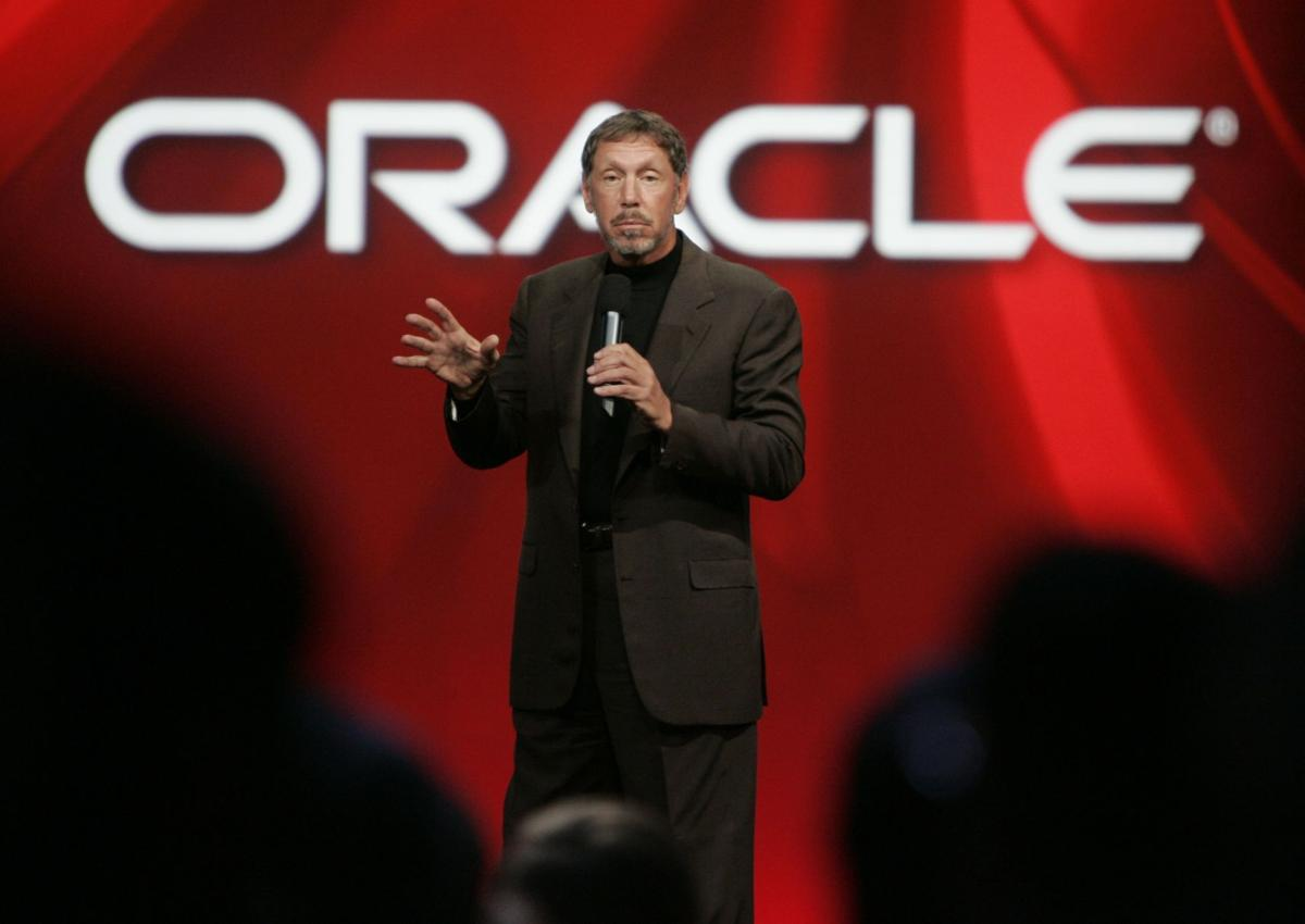 Oracle CEO buys airline serving Hawaiian island