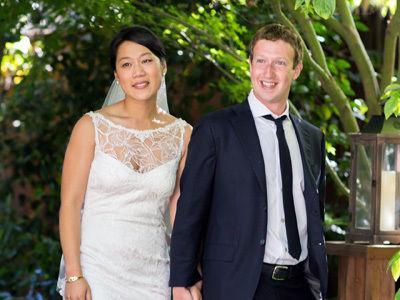 Facebook's Mark Zuckerberg marries sweetheart