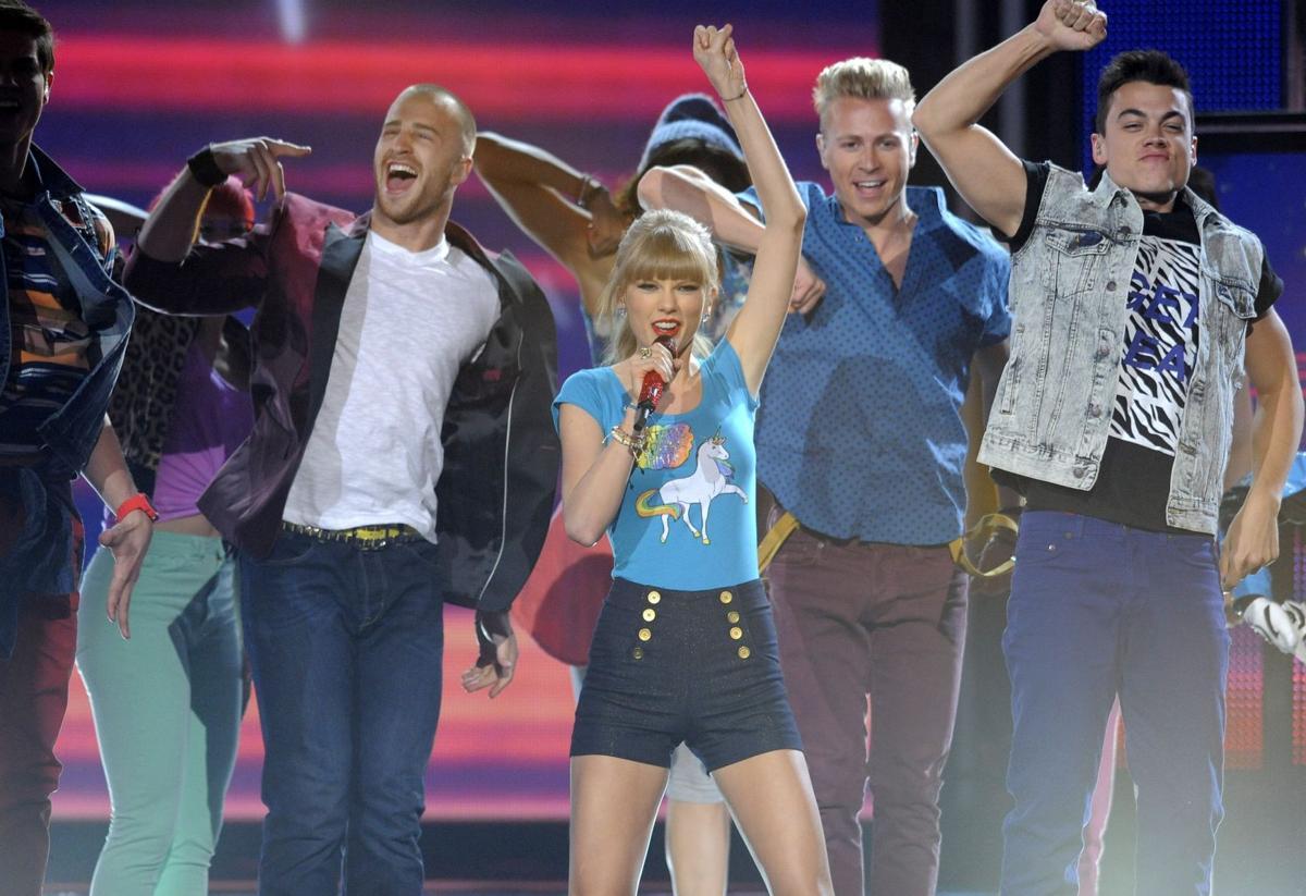 Taylor Swift wins 8 trophies at Billboard Awards