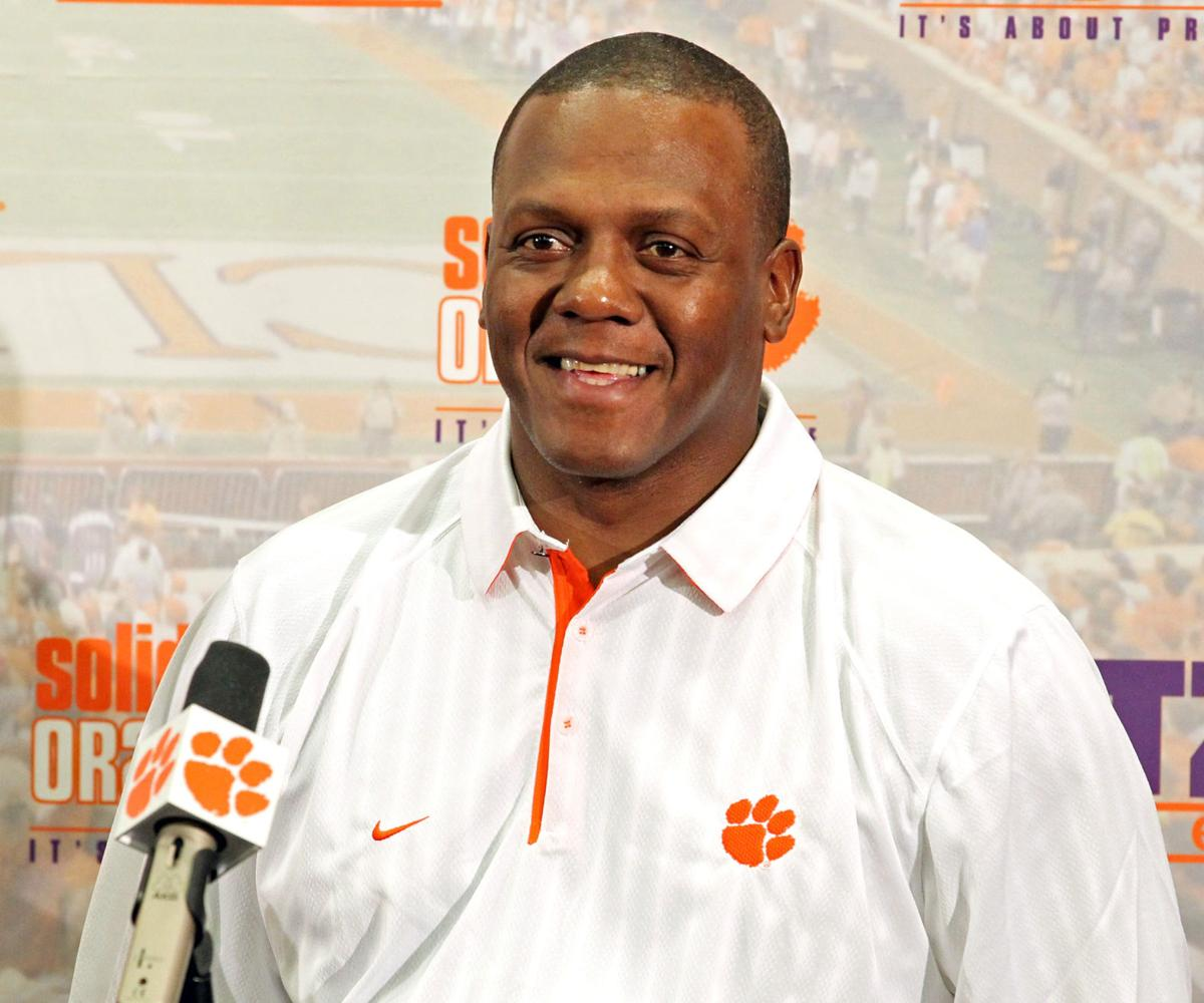 Clemson's defensive ends thrive under Hobby