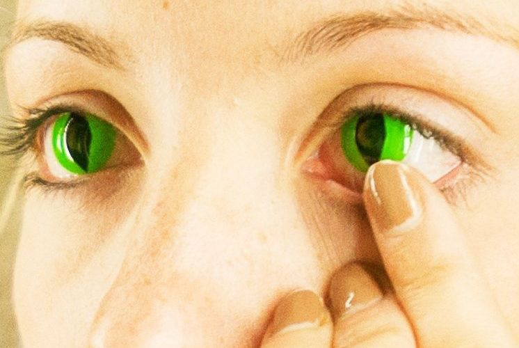 Some contacts can be a fright Eye warnings given on nonprescribed lenses