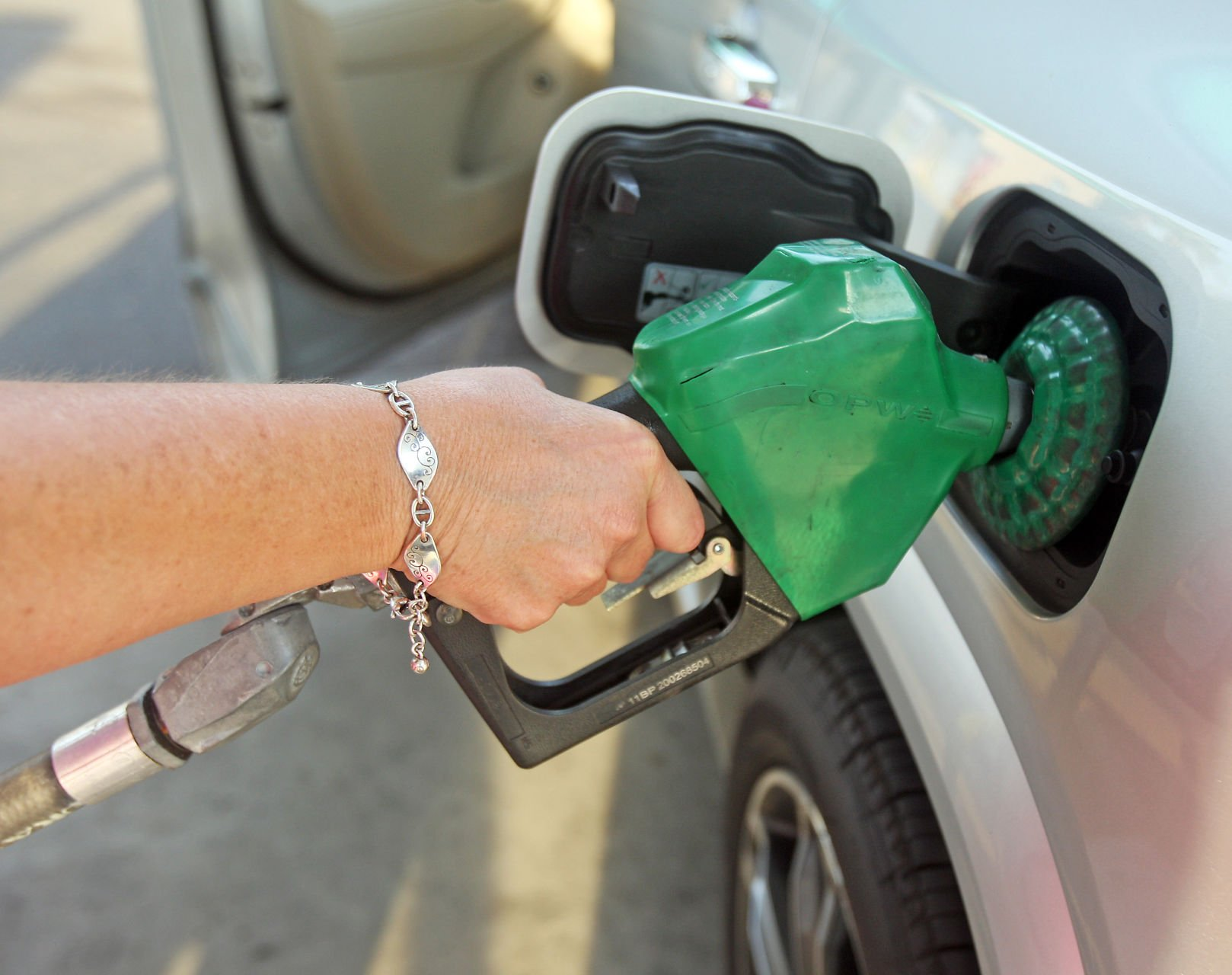 Gas prices rise for first time since April
