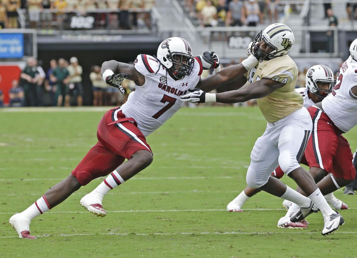 Gamecocks running back Mike Davis crashes Central Florida's party