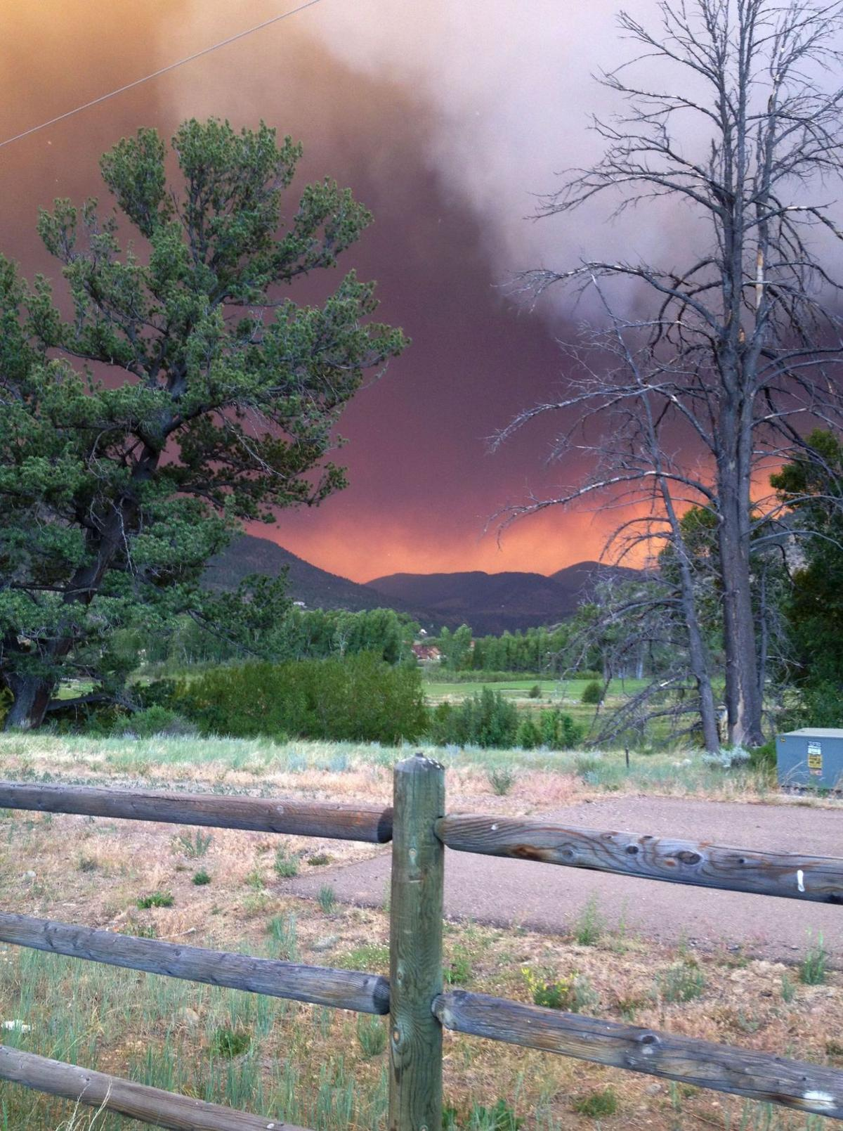 Wildfire threatens to wipe out Colo. town