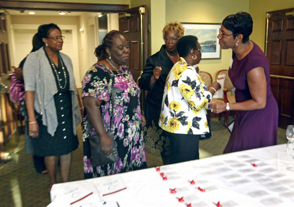 Advocate urges drawing more blacks to nursing