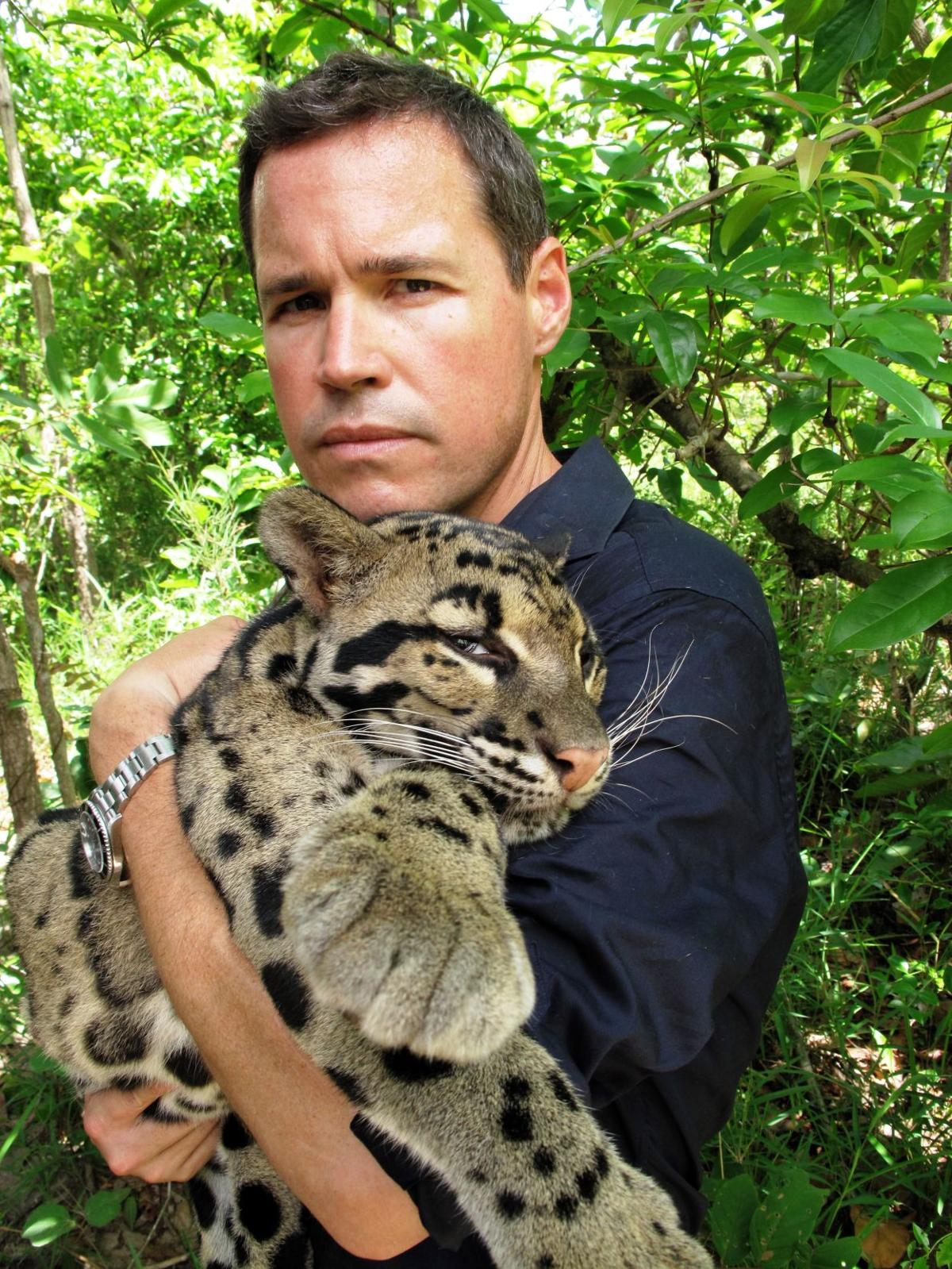 Jeff Corwin with leopard