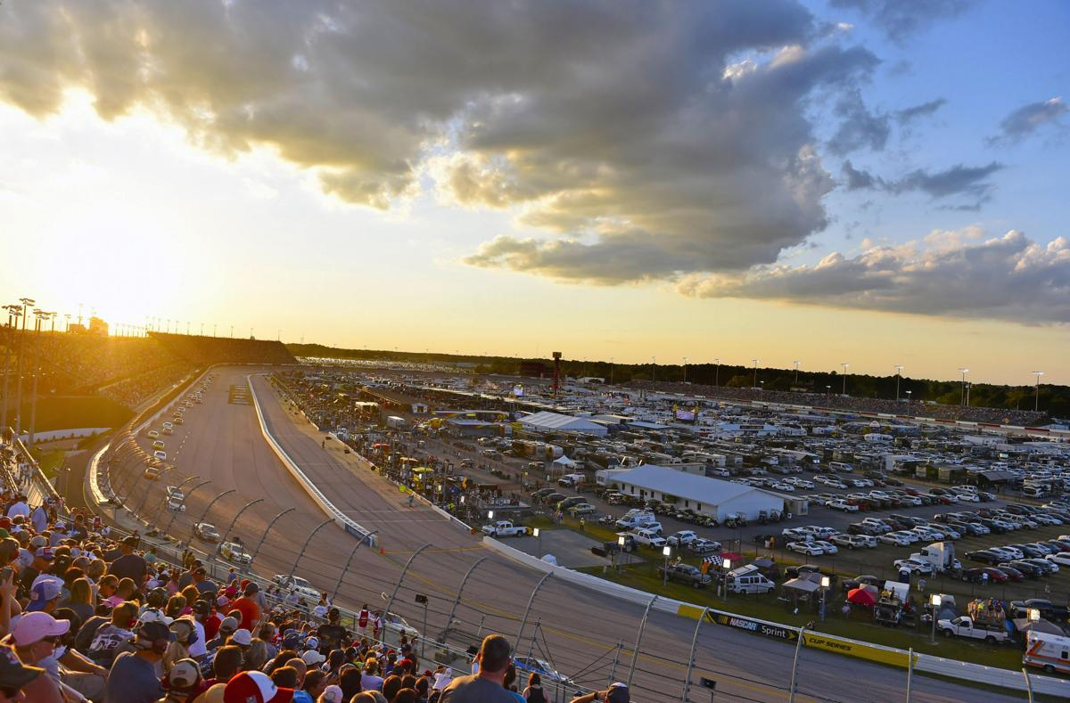 2016 NASCAR Sprint Cup Series, Darlington