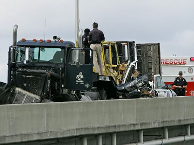 Brakes faulty on tractor-trailer rig that hit Charleston police cruiser, police say