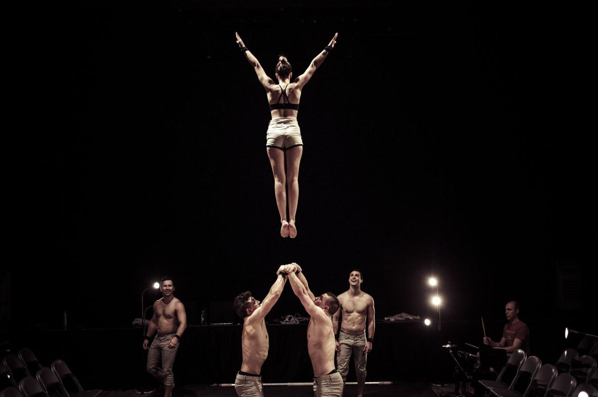 'Simple Space' 60 minutes of eccentric, breathtaking physical theater